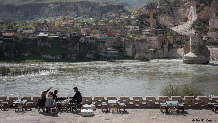 Facing Eviction, Merchants Decry Turkey Dam Project