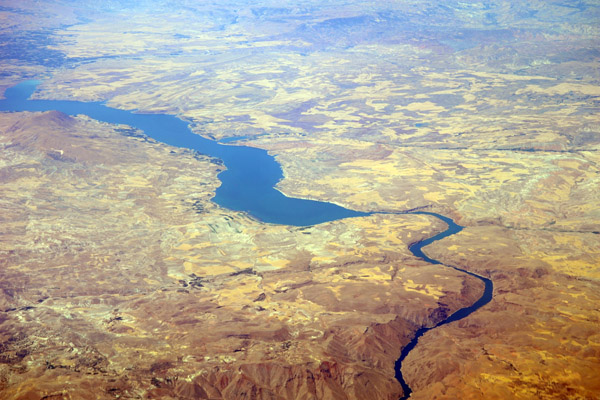 The Euphrates in Crisis: Channels of Cooperation for a Threatened River