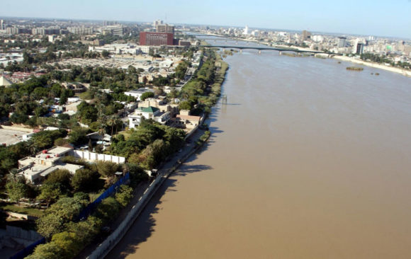 The Shared Responsibility Behind the Pollution of The Tigris River in Baghdad